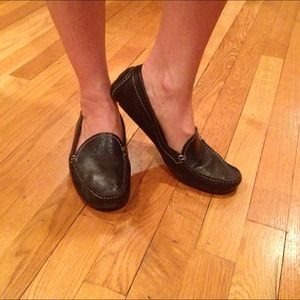 Banana Republic Shoes - Banana Republic black leather moccasins