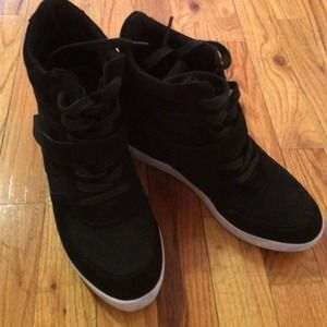 Steve Madden Shoes - Wedge sneakers
