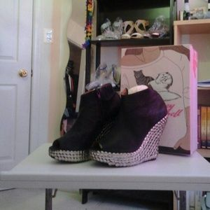 Jeffrey Campbell Shoes - Jeffrey campbell tick size 8