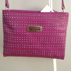 Kenneth Cole Handbags - New Kenneth Cole purse.