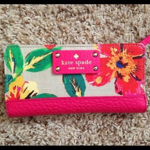 ♠️Kate Spade♠️ Floral Stacy Continental Wallet♠️