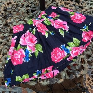 sweet floral skirt by Gilly Hicks