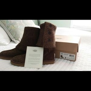 UGG Classic Cardy Boots - Moss Size 8 - NEVER WORN