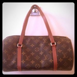 Louis Vuitton Handbags - 💯Authentic Louis Vuitton Papillion 30
