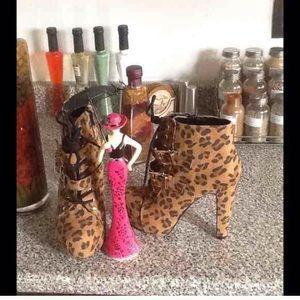 Host Pick Cheetah Faux Suede Platform Ankle Boots
