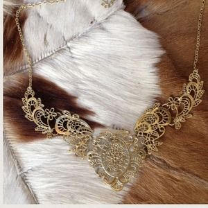 Last OneGold color necklace