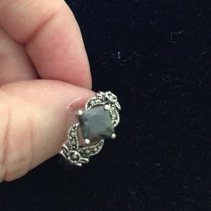 Jewelry - Beautiful black stone and marcasite ring