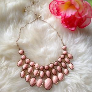 ❗️️SALE❗️Peach statement necklace