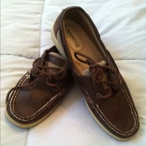 Brown sperrys