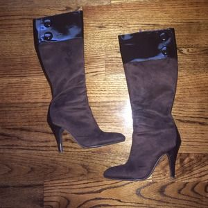 Shoes - Chocolate luxe zip up boots