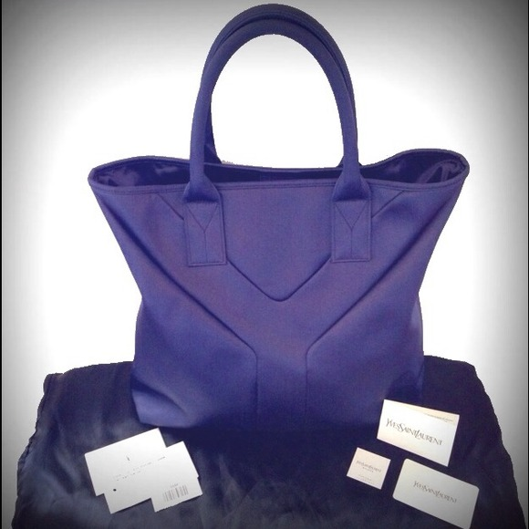 bbb5e9b5dc3f On Hold YVES SAINT LAURENT YSL Lilac  Y  Purse bag.  M 531f7720dd7b7f739a24f959