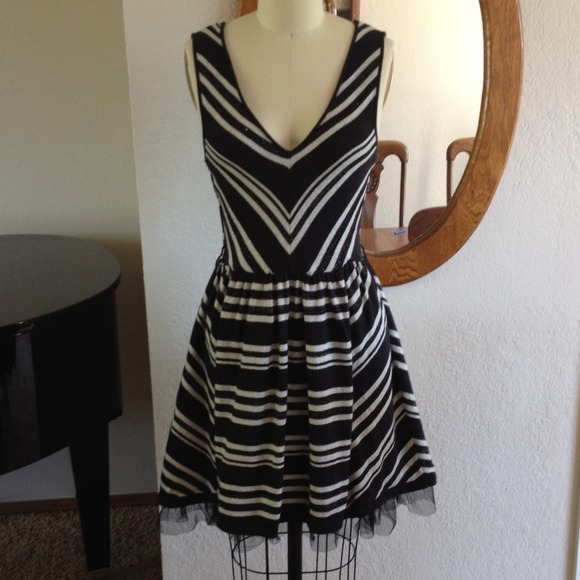 American Rag Dresses & Skirts - American Rag Silver and black dress