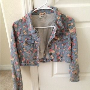 Jackets & Blazers - Long sleeve crop denim floral jacket