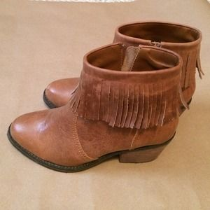 SHOEMINT Lucy Leather Fringe Cognac heeled booties