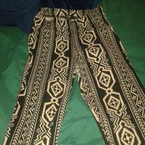 Forever 21 tribal legging