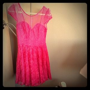 Dresses & Skirts - Flirty pink lace dress with sexy open V-back