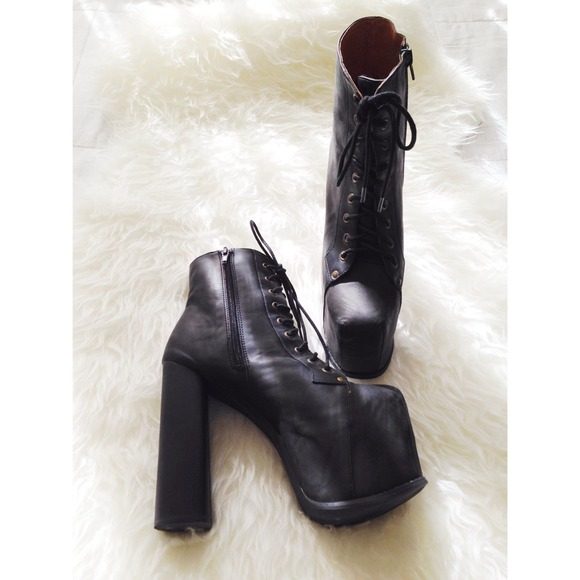 aa9f85d675c Jeffrey Campbell Big Lita