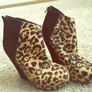 7.5 Kelsi Dagger Calf hair  Booties