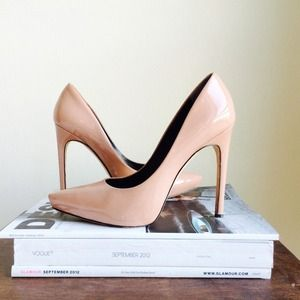 "✨HP✨Rachel Roy ""Gardner"" Pump"
