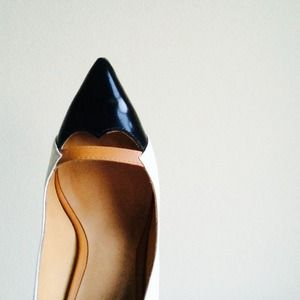 "L.A.M.B Shoes - ✨HP✨ L.A.M.B. ""Janaye"" Leather Pump 4"