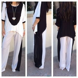 Chic black and white top SALE SALE LAST ONE