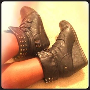 BUCCO Black Wedge Sneakers w/ studs