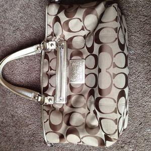 REDUCEDAuthentic COACH handbag 