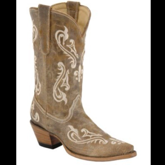 28 corral boots corral brown cortez snip toe