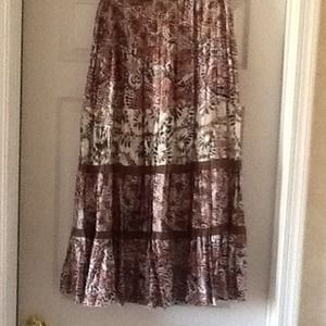 Dresses & Skirts - Chicos Silk Skirt