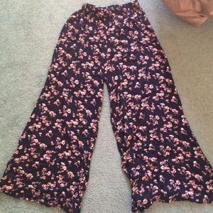 Brandy Melville wide leg floral pant
