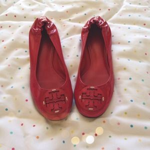 AUTHENTIC DEEP PINK/RED TORY BURCH FLATS