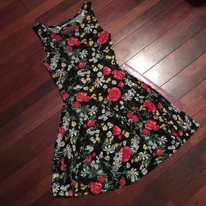 Brandy Melville yurie dress