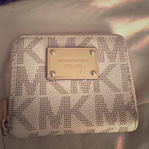 Michael Kors mini wallet