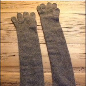 Hermes cashmere gloves- Authentic!!