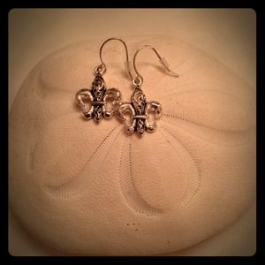 Jewelry - Trendy Fleur De Lis Earrings