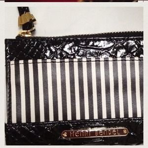 Henri Bendel  Clutches & Wallets - Henri Bendel!   a card, change, & keychain wallet