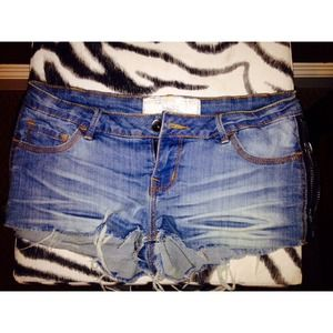 Sexy dollhouse side zipper jean shorts