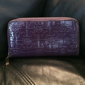 Authentic Tory Burch Continental Wallet