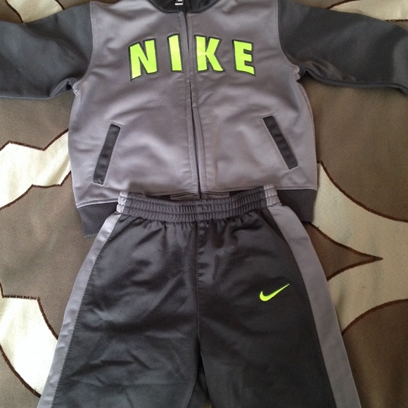 72% off Nike Outerwear - Nike sweat suit for baby boy from ...