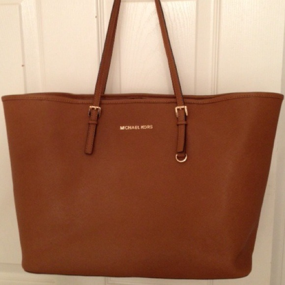 Germany Michael Kors Totes - Listing Michael Kors Saffiano Tan Leather Tote 53236423ba53405d32002cf4