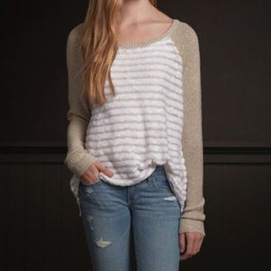Hollister white beige sweater