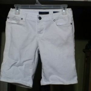 💖SOLD💖 Jessica Simpson Highland Bermuda Shorts
