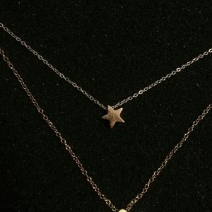 Jewelmint rose gold star necklace olive yew