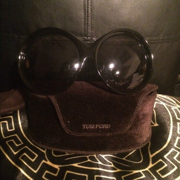 8de9edc054 Tom. SOLD SOLD ford Ali sunglasses authentic. M 5323eae232fe1431000283fe