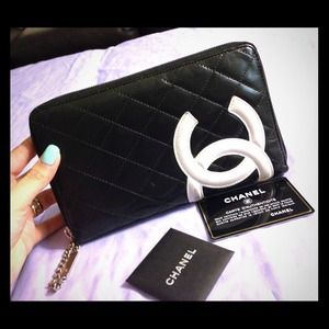 Auth Chanel Cambon All around Zippy wallet