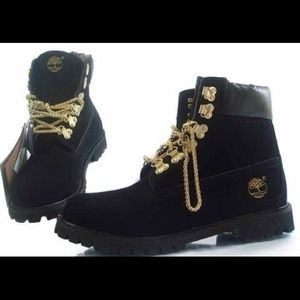 b8a33b9fda Shoes - Customized chain gang timberlands