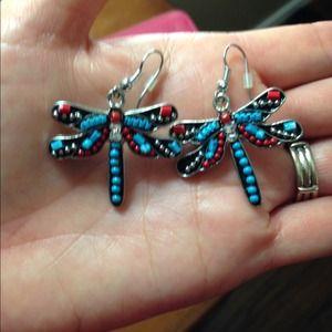 Jewelry - Beautiful dragonfly earrings
