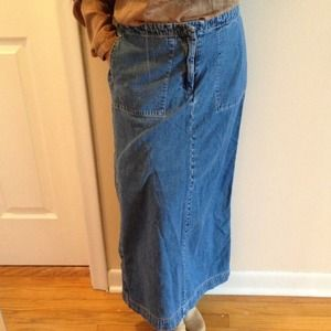 GAP denim skirt.