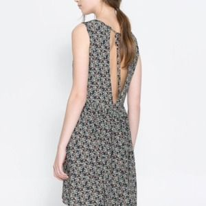 ⚡️Zara Open Back Floral Dress