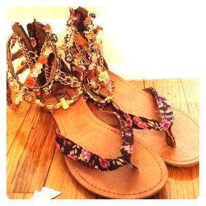 Shoes - Fun flirty summer sandals.